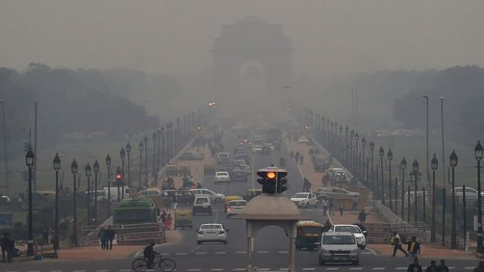 Delhi NCR wrapped in smog wrap, AQI level exceeds 400 in many areas